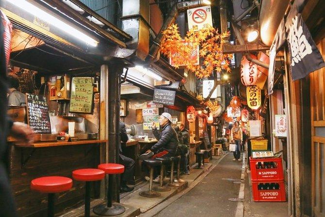 Shinjuku Golden Gai Food Tour in Spanish