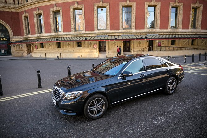Private Arrival Transfer: Heathrow Airport to Central London