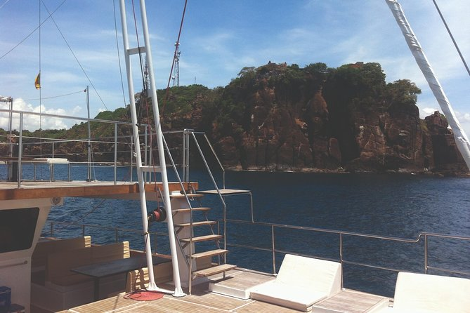 Whale Watching Cruise in Trincomalee (Private 7-Hour Tour) photo 6