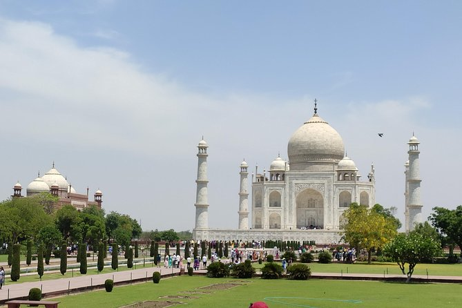 Private Agra Local Taj Mahal Tour from Gatimaan Express to Gatimaan Express