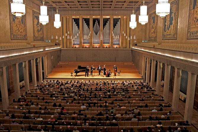 Master concert in the Herkules Hall including museum tour