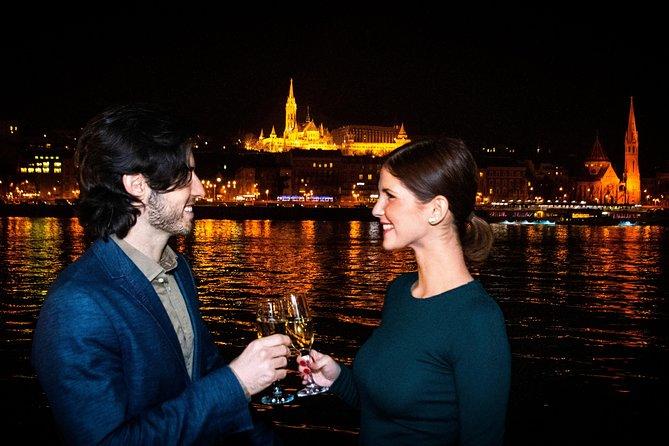Crucero con cena tardía en Budapest por el Danubio