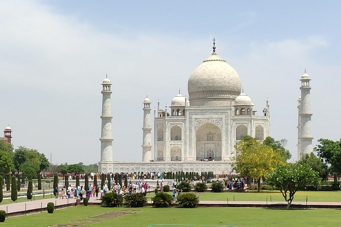 Private Agra Same Day Taj Mahal tour by AC Car from Delhi