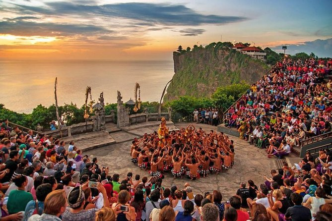 Uluwatu Temple & Kecak Fire Dance Show (Include All Tickets)