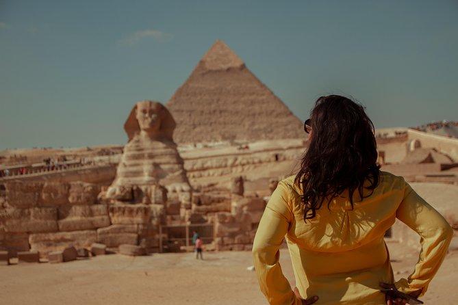 Cairo layover tour to Giza pyramids & bazaar