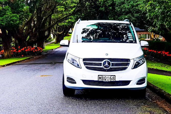 Auckland's premium luxury transfers from/to Airport / North Shore