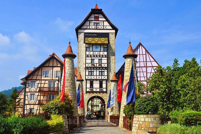 Bukit Tinggi French Village + Genting Highlands Chartered Tour