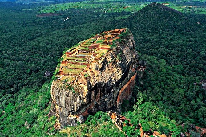 Half-Day Tour to Sigiriya and Dambulla
