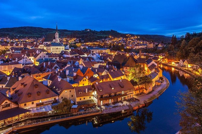 Two days trip to amazing UNESCO town Český Krumlov and Austrian town Hallstatt photo 1