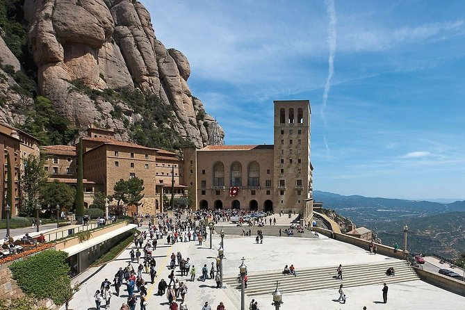 Marvellous Montserrat Private Day Tour : Train & Cable-car tickets Included photo 4