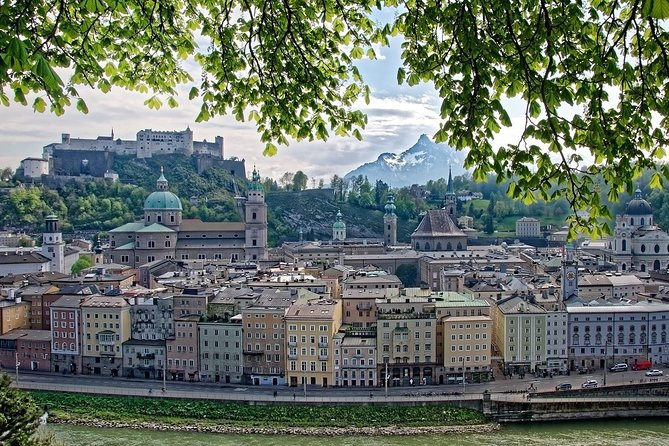 Two days trip to amazing UNESCO town Český Krumlov and famous Austrian Salzburg