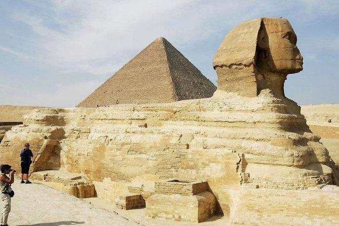 Giza Pyramids & Egyptian Museum Tour in Cairo