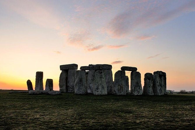 Stonehenge, City of Bath & Salisbury Cathedral Private Tour for 4-5 travelers photo 2