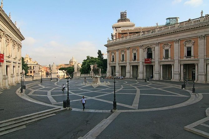 ROMAN ROME FROM CAPITOL IN MICHELANGELO SQUARE TO THE FORUM: Unforgettable Tour