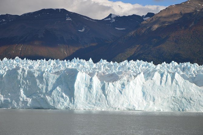 2-day Perito Moreno Glacier + El Chaltèn Full Day