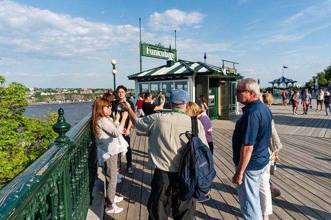 Amazing Old Quebec City Classique Walking Tour with 1 Funicular Tickets included