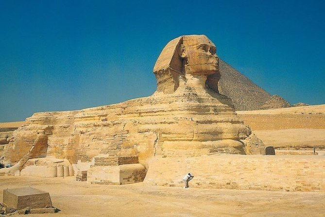 Half day private tour to the Pyramids by Mirette Tour