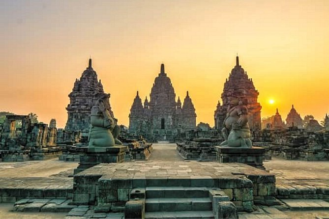 a day visiting The temple and Javanese culture museum (07.00am-05.00pm)