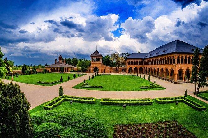 Bucharest surroundings: Snagov Monastery and Mogosoaia Palace