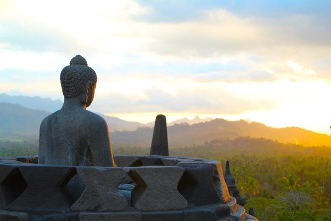 Private Tour Borobudur Sunrise – Merapi Volcano – Prambanan (Transport Only)