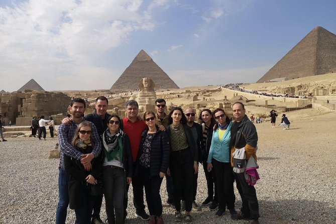 Guided Tour To The Pyramids and Egyptian Museum Including Tickets