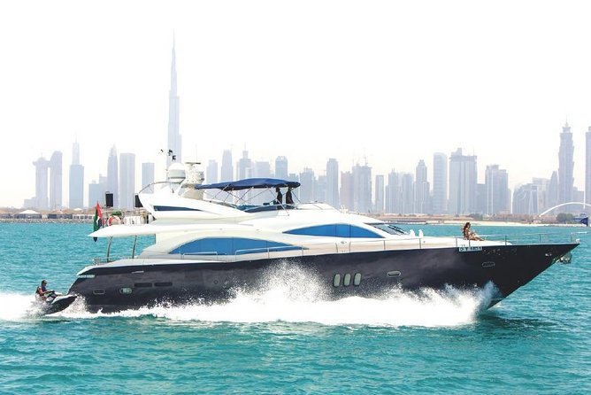 2-Hours Luxury Yacht Private Tour in Dubai
