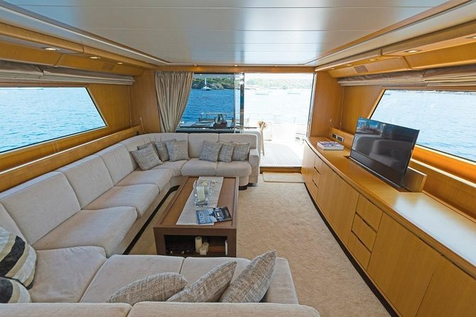 Majesty 55 Ft (Luxury private Yacht) 2 hours for 22 pax photo 4