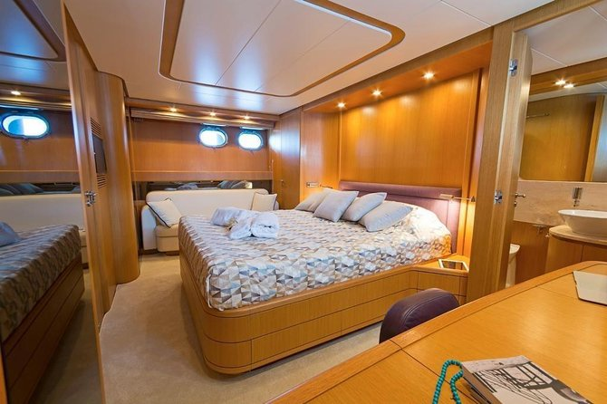 Majesty 55 Ft (Luxury private Yacht) 2 hours for 22 pax photo 3