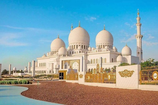 Private Abu Dhabi City tour with Louver Museum & Gold Coffee at Emirates Palace