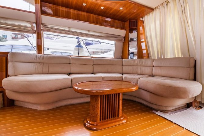 Azimut 58 Ft ( Luxury Yacht for private tour for 23 passengers ) photo 4