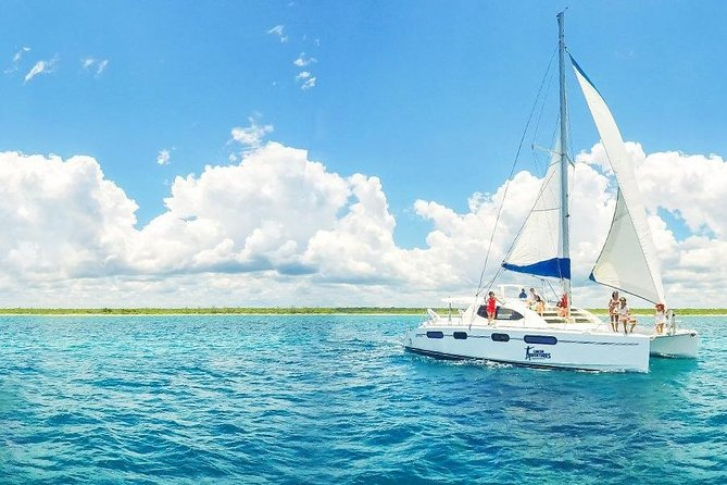 Luxury sailboat in Riviera Maya