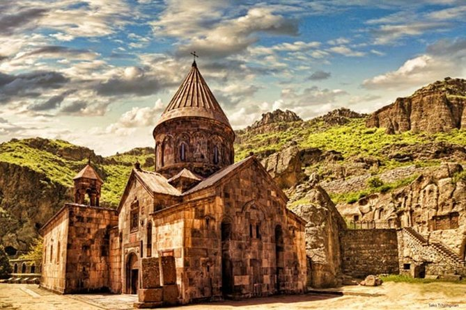 Private tour to Garni-Geghard-Arch of Charents-Tsaghkadzor-Lake Sevan photo 4