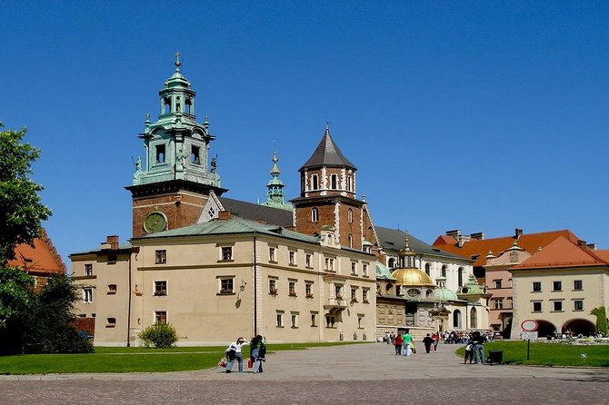 Krakow: Wawel Castle & Cathedral and Wieliczka Salt Mine Guided Tour with Lunch