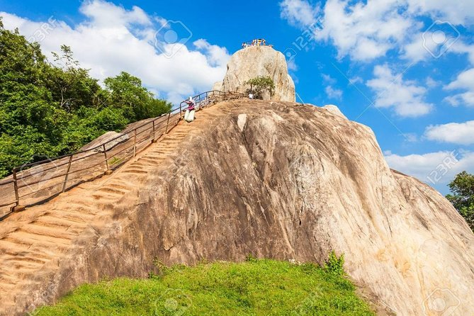 Private Day Trip to Anuradhapura Kingdom & Mihinthalaya Temple From Sigiriya