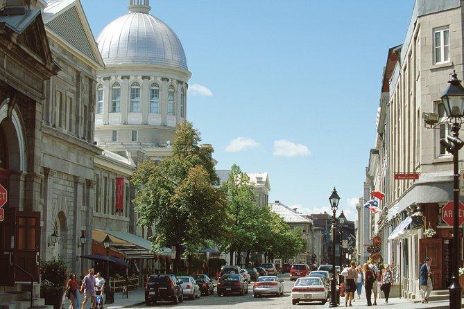 Private Local Authentic Walking Tour of Old Montreal