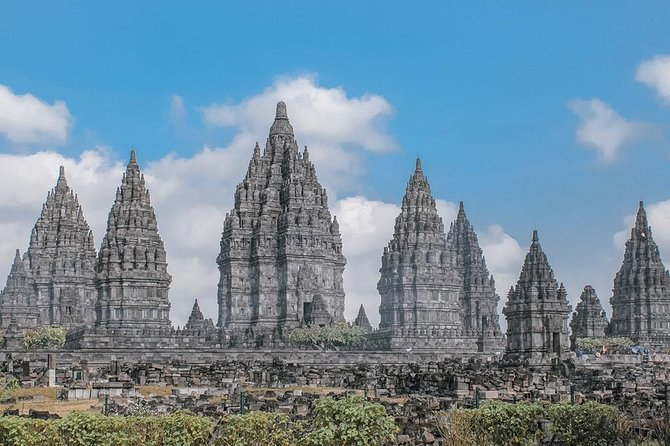 7 Days Wonderful Yogyakarta: Waterfall, Cycling, Temples, Rafting, Jeep Tour