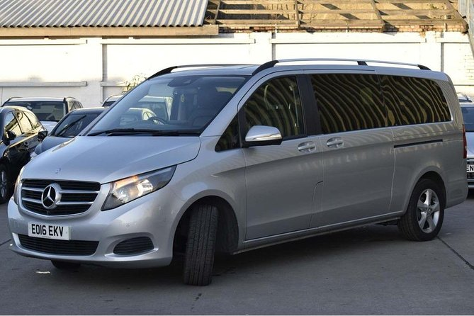 Luxury Private Dublin Arrival Transfer to Belfast City