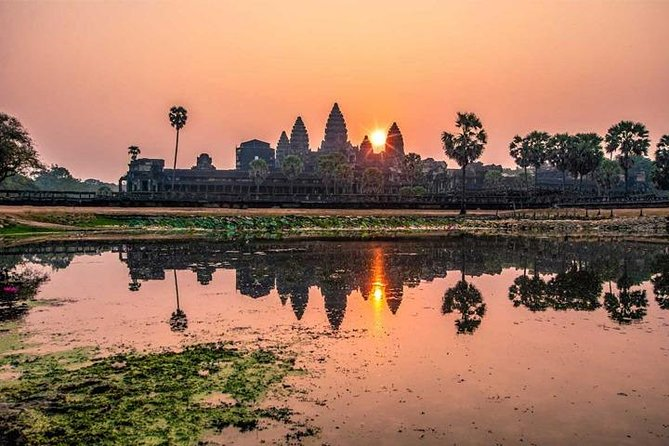 Siem Reap Sunrise Small-Group Tour of Angkor Wat - Free Hotel Pickup/Drop Off