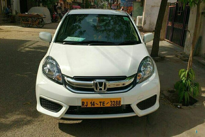 Jaipur Airport Transfer (Jaipur Airport to Hotels and Homes) in Jaipur