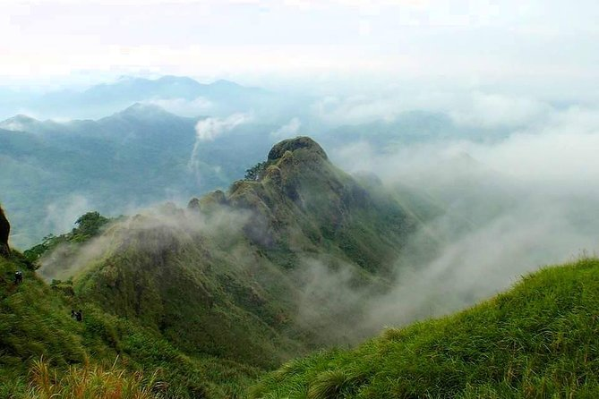 Beginner Day Hike from Manila Mt. Batulao (811 MASL) with transfers**