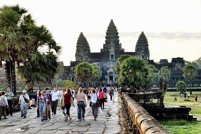 Highlight of Siem Reap Small Group Tour