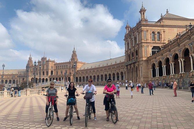 Bike route through the historic center of Seville