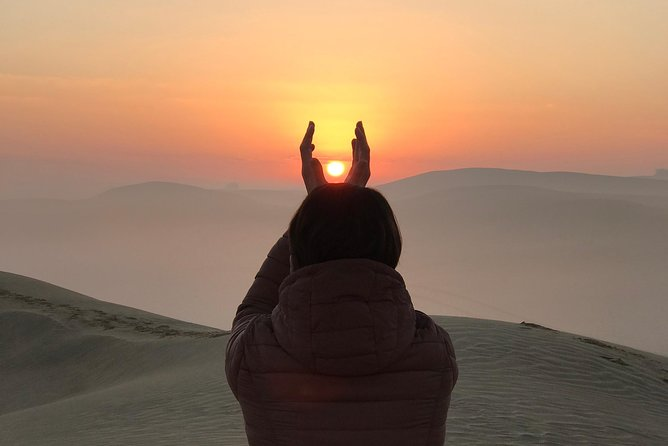 Sunrise Desert Safari with Sandboarding,Tea and Coffee