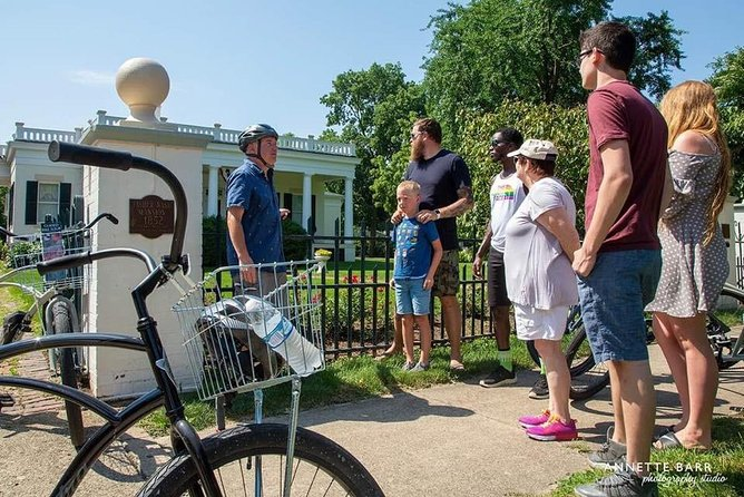 Our flagship Ottawa Obscura Bike Tour remains popular with locals and tourists alike.