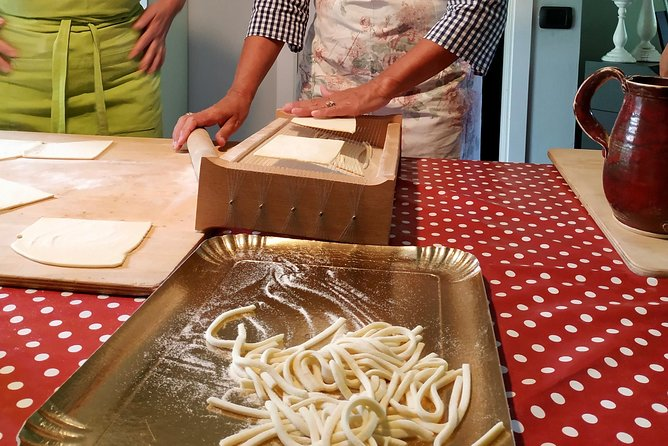 Handmade pasta cooking class photo 9