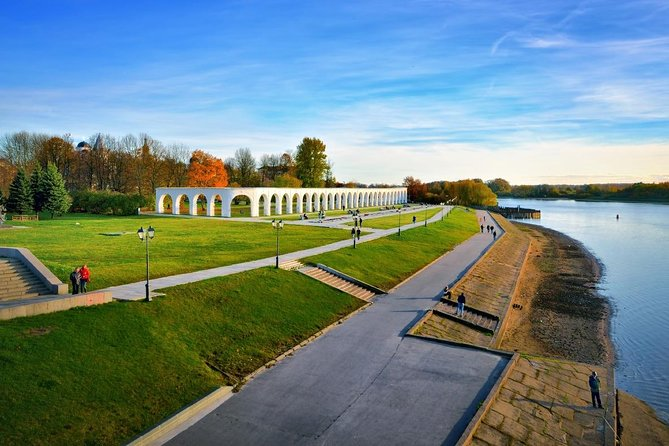 Join-in Tour: Veliky Novgorod city tour + Vitoslavlitsy + St. George Monastery