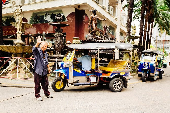 The Beauty of Bangkok by Bike & Longtail Boat Private Tour photo 6