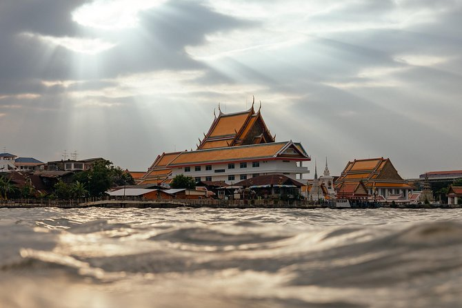 The Beauty of Bangkok by Bike & Longtail Boat Private Tour photo 9