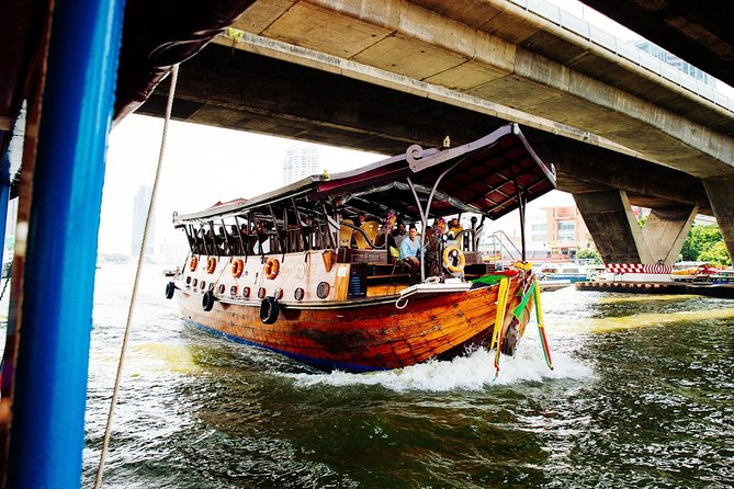 The Beauty of Bangkok by Bike & Longtail Boat Private Tour photo 2