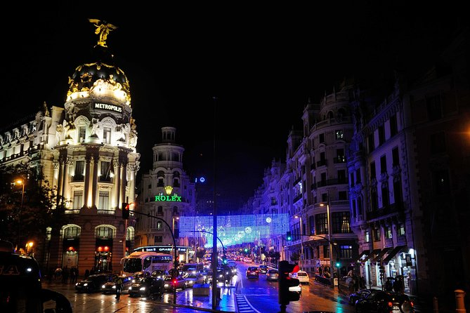Christmas lights tour in Madrid by electric tuk-tuk